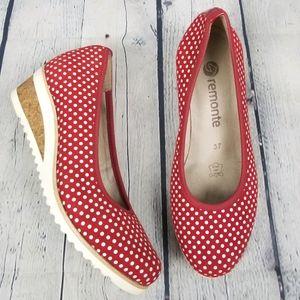 REMONTE | slip-on polka-dot wedge shoes